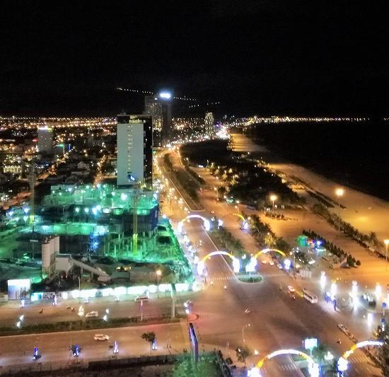 ミーケビーチ夜景