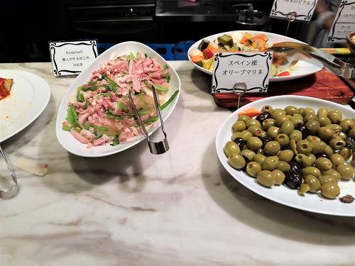 オリーブマリネ、ピクルス、冷野菜