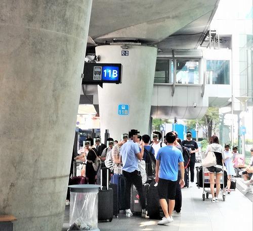 空港バス乗り場