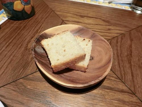 付け合わせのパン