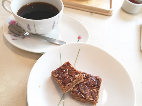 コーヒーと焼菓子
