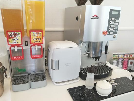 ジュースとコーヒー