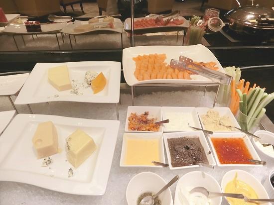 チーズとスティック野菜