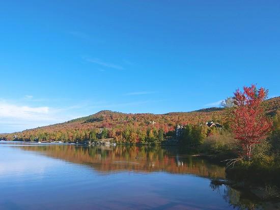 トランブラン湖紅葉