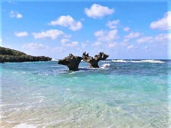 浜辺からのハート岩