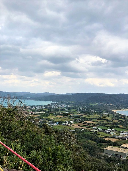 加世間(2つの海が見える丘)