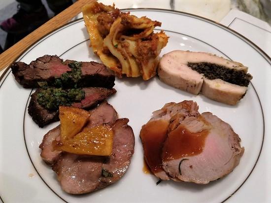 サマービュッフェ肉料理1