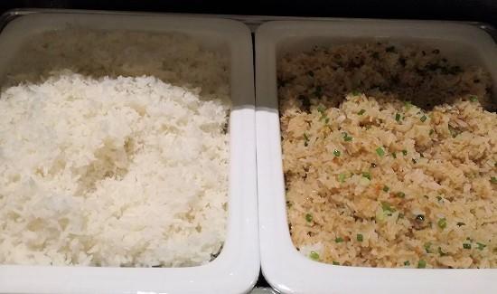 ザ クォーター ラープラオ バイ UHG 朝食ご飯と炒飯