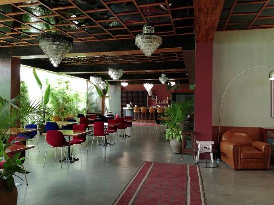 ラオポエットホテル ロビーとレストラン