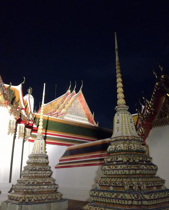 ワットポー小さな仏塔