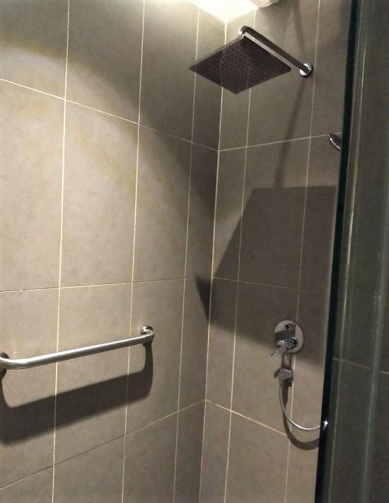 klia2 プラザプレミアムラウンジ シャワー室