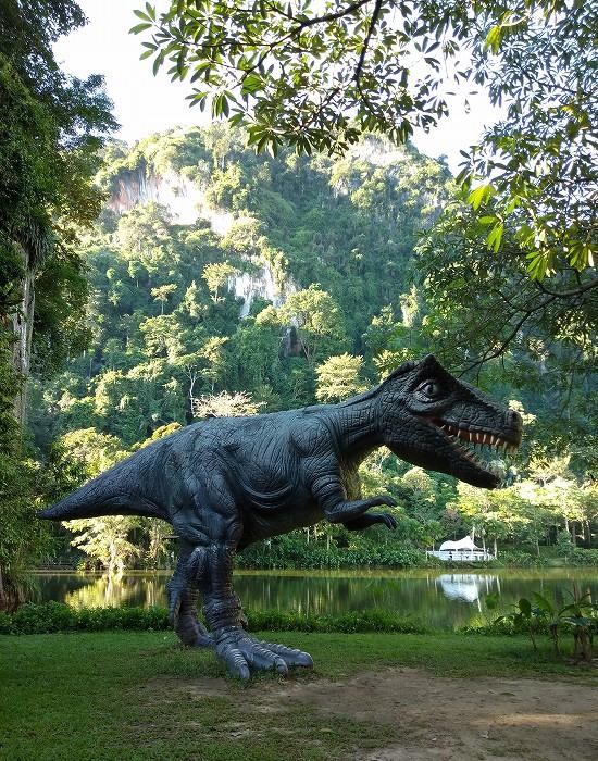 ザ ヘブン リゾート ホテル イポー オール スイーツ 恐竜