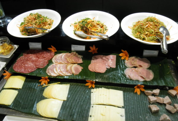 アジアンサラダとハム&チーズ