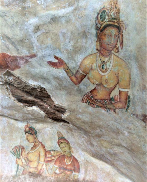 蓮の花を持つシギリアレデイの壁画