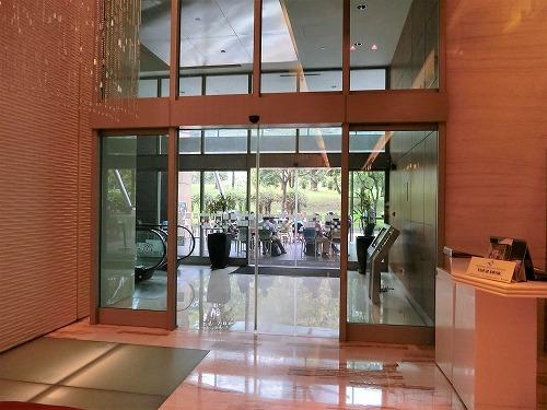 トレーダーズホテルクアラルンプール1階カフェ