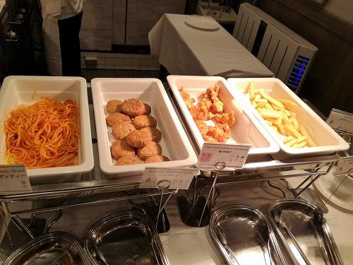 スパゲッティ・ハンバーグ・鶏唐揚げ・フライドポテト