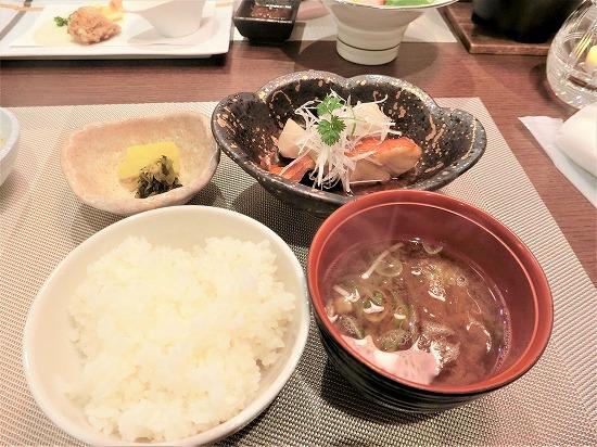 レクトーレ熱海桃山金目鯛の煮つけとご飯