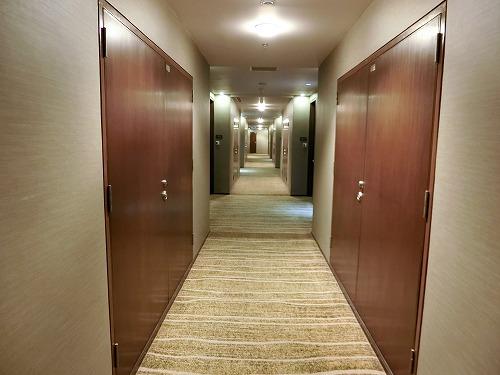 31階ホテル廊下
