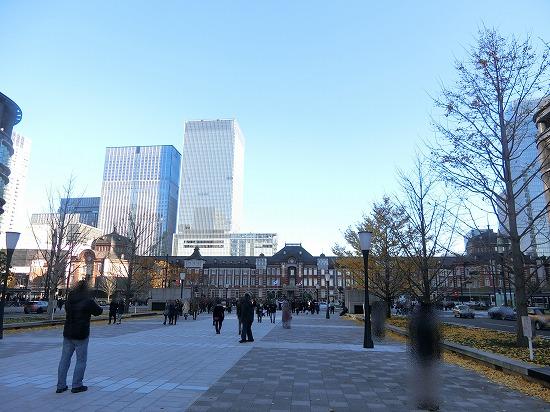 東京駅丸の内広場