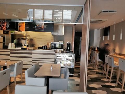 ホテルカーゴ心斎橋1階カフェ