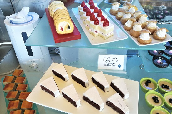 ショートケーキ、ロールケーキ、チョコレートケーキなど