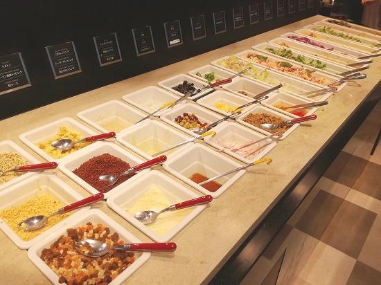 サラダ、お惣菜、トッピング