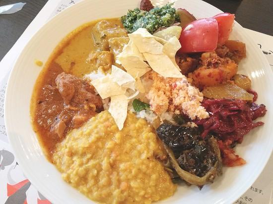 スリランカ料理食べ放題プレート
