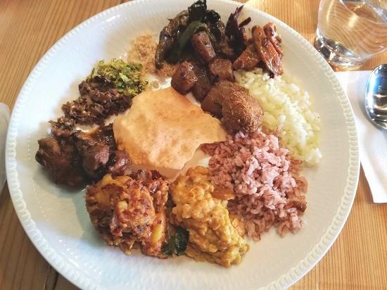 取ってきたスリランカ料理