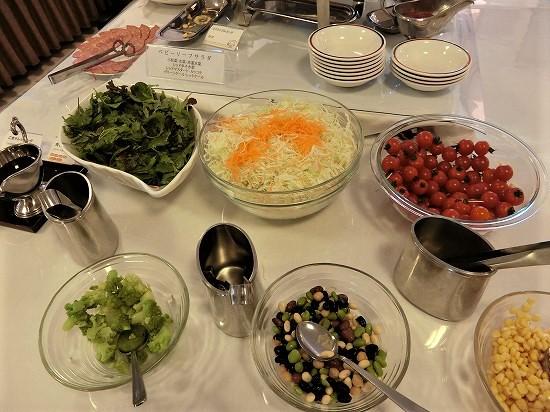 ホテルツイン鶴岡サラダ
