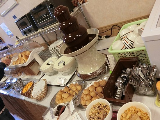 ホテルツイン鶴岡パンとヨーグルト