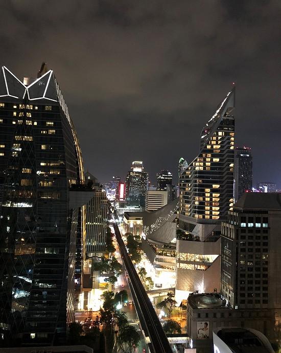 ノボテル バンコク プルンチット スクンビット テラス夜景