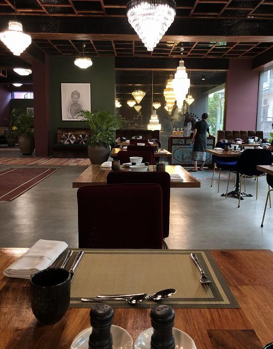 ラオ ポエットホテル ロビーレストラン