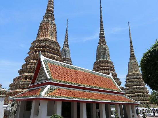 ワットポー4基の仏塔