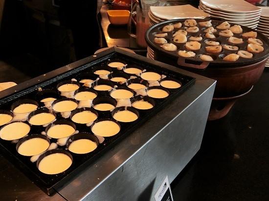 ノボテルバンコクプルンチットスクンビット 朝食 ココナッツミルクのお菓子