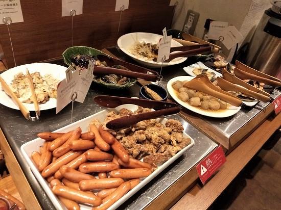 ハレの食卓 川崎 焼き魚、ソーセージ、唐揚げ