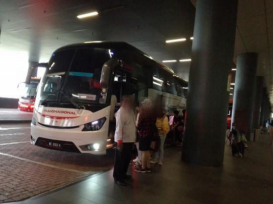 マラッカ行きバス