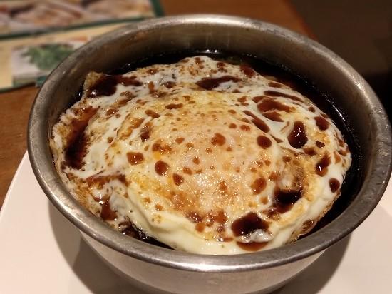 ティムホーワン 日比谷 牛挽肉と卵のご飯