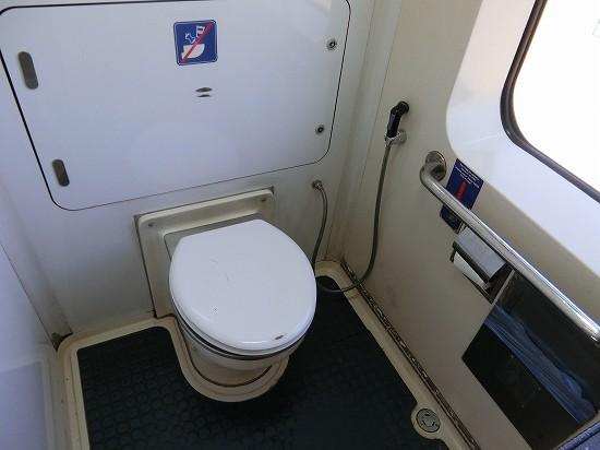 イポー電車トイレ