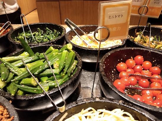焼肉トラジ京橋店ランチ ピビンbar オクラとトマト