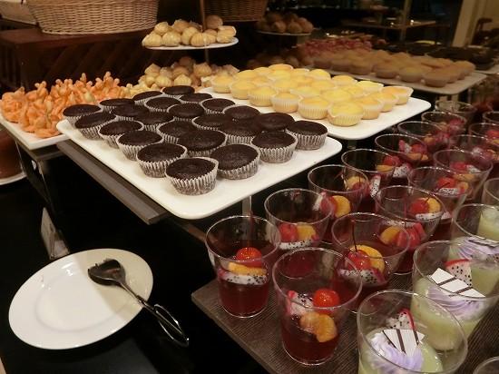 ザ ヘブン リゾート ホテル イポー オール スイーツ 朝食 デザート