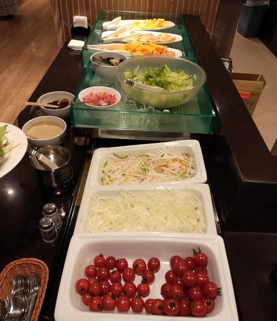 箱根パークス吉野 朝食 サラダ