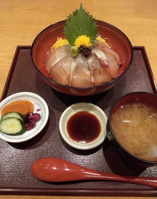 魚國ランチ ぶり丼セット