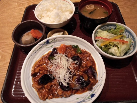 鶏ときのこの麻婆茄子 車 浜松町店 ランチ