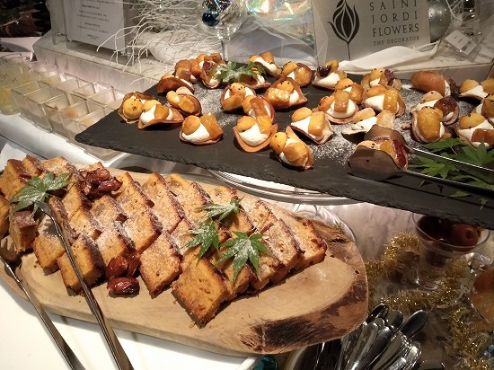 キャラメルナッツパウンドケーキとさつまいも ガーデンレストラン オールデイ ダイニング ランチビュッフェ