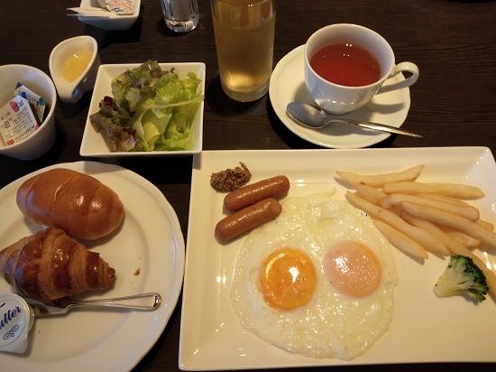 朝食フライドエッグ 都ホテル京都八条