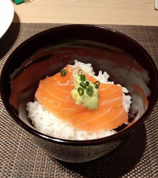 サーモン丼 アンサンブル 潮見