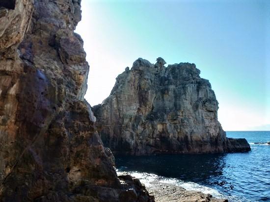 三段壁 十像岩