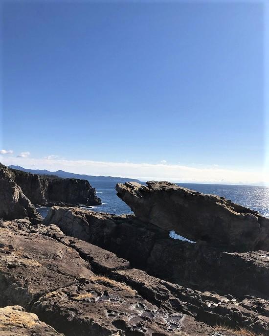 三段壁 謎の岩