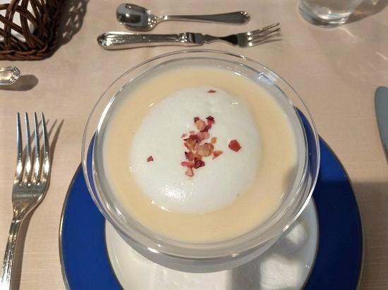 りんごの冷製スープ レストラン山崎