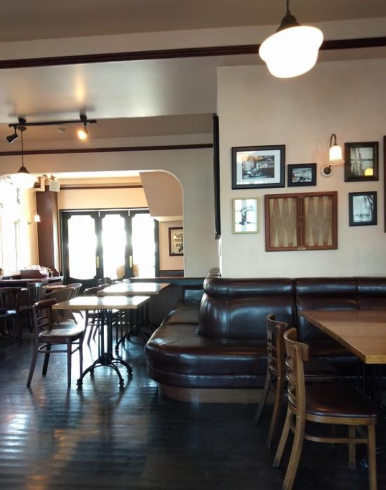 カフェ・ブラッセリー ハリーズ 店内